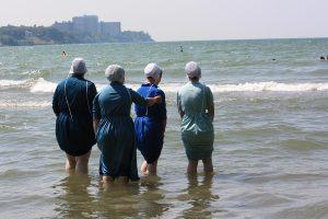 Modern Amish women will get wet in public