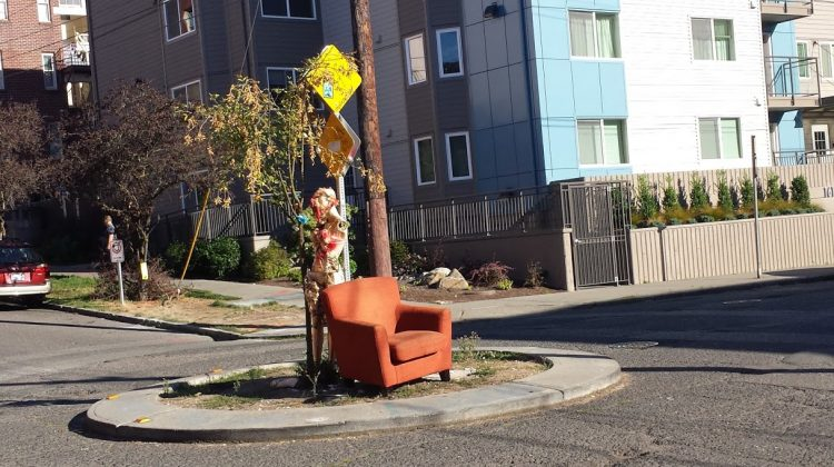 "Capitol Hill ""Street Throne"" Appears Again at Summit & Olive Triggering Customary Performance Art"
